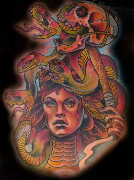 Tatouage medusa autre interpretation mythologique par sam clarke