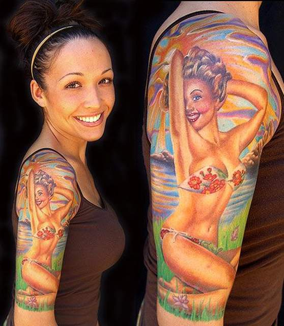 Tatouage pin up demi manchette en bikini