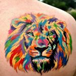 Tatouage tete de lion tres colore